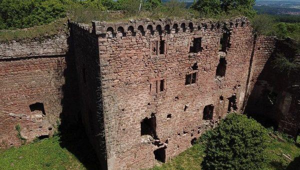 1392 – 1414 Imbroglio entre les Rathsamhausen et les Andlau au Lutzelbourg